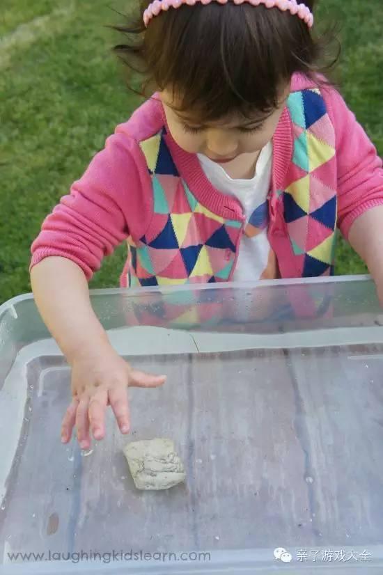 歐美幼兒園最受歡迎遊戲:自然元素的浮沉實驗! - 壹讀