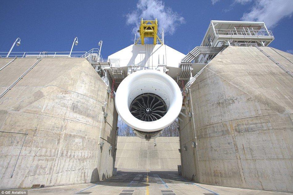 波音測試最大飛機引擎 產生45000多公斤推力 - 壹讀