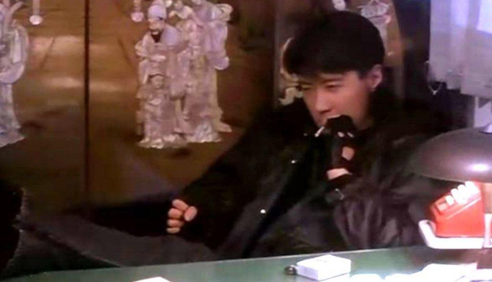 電影中被做成表情包的5種抽菸動作,劉德華給張學友演配角的次數不超過2次,卻鍾情渣男被家暴十年黯然離開 - 壹讀