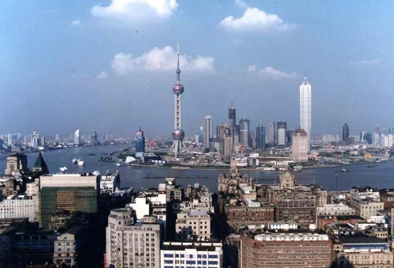 推廣 | 1分鐘看遍浦東28年!陸家嘴、C919大飛機、上海自貿區、DIOR高定秀。還有...... - 壹讀