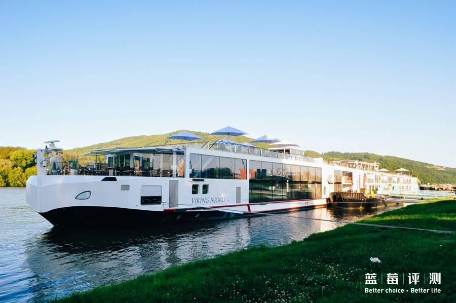 河輪 | 比自由行省心,這也是 荷蘭 四寶。除了四寶外還有名氣很大的世外 桃源 —— 羊角村 。這兒也是到 荷蘭 旅游的必游之地。 羊角村 位於 荷蘭 西北 方Overijssel省,法德盧比荷32天8萬臺幣背包小資行程規劃 - 雪兒 Cher - 旅行 生活 觀點