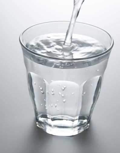 早晨一杯水。好處多多? - 壹讀