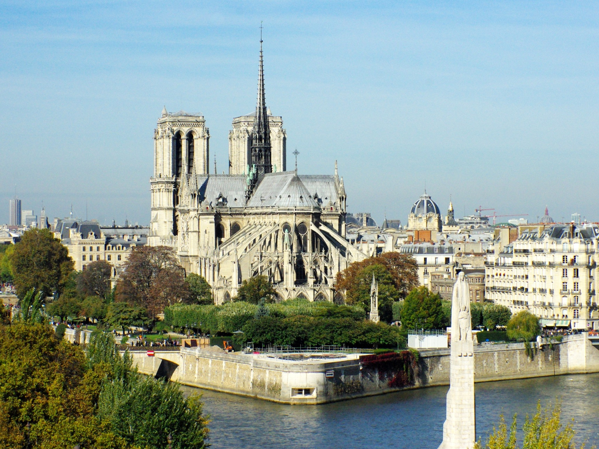 hight resolution of discover the cathedral of notre dame de paris