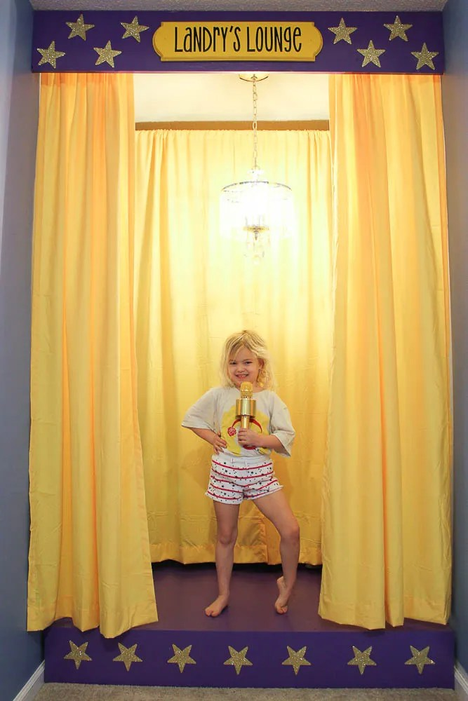 how to build a kids stage with dress up