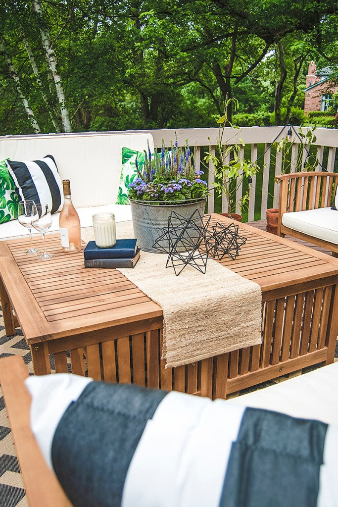 how to plan outdoor coffee table decor