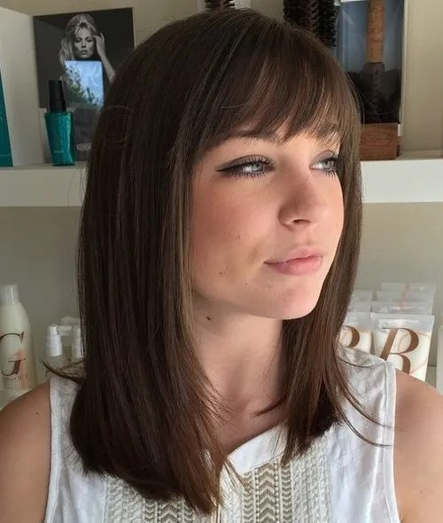 40 Best Medium Straight Hairstyles and Haircuts  Stylish Diversity