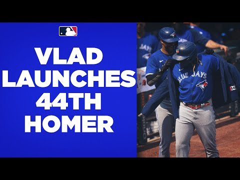 VLAD TIES OHTANI! Vlad Jr. crushes his 44th home run of the season, tying Ohtani for league lead!