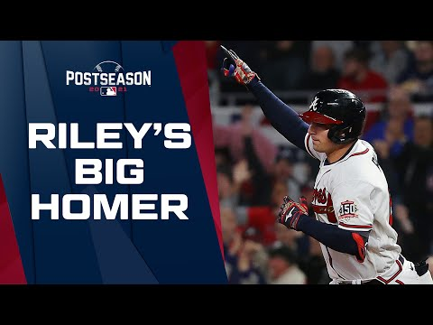Austin Riley RIPS a homer to tie NLCS Game 1 at two!