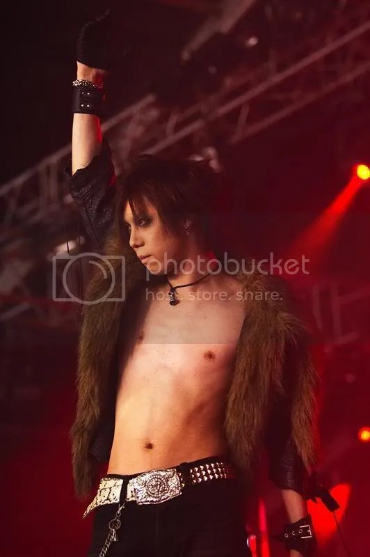 HIZUMI almost naked