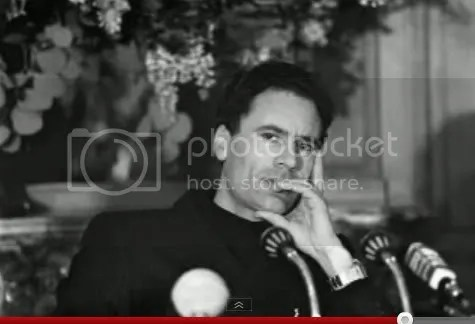 al-Gadhafi, contemplative