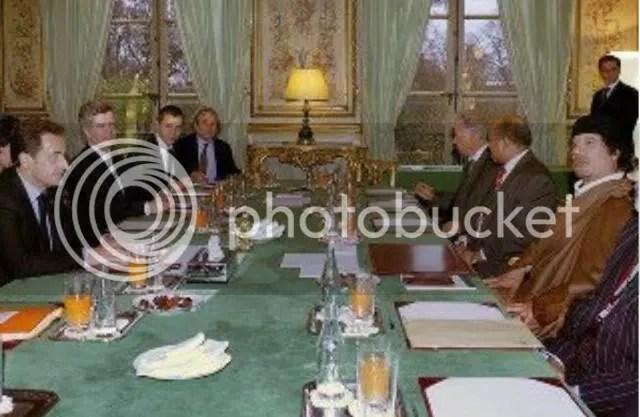 2009 dining in Versailles w Sarkozy