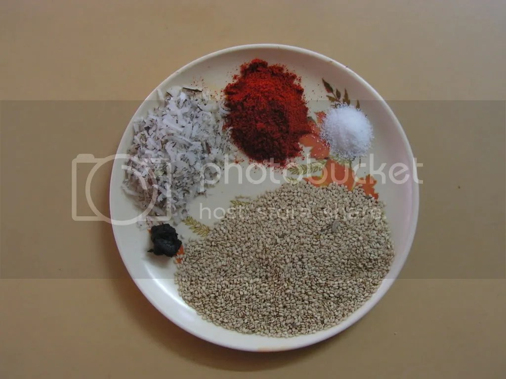 Ingredients of Thil chutney powder