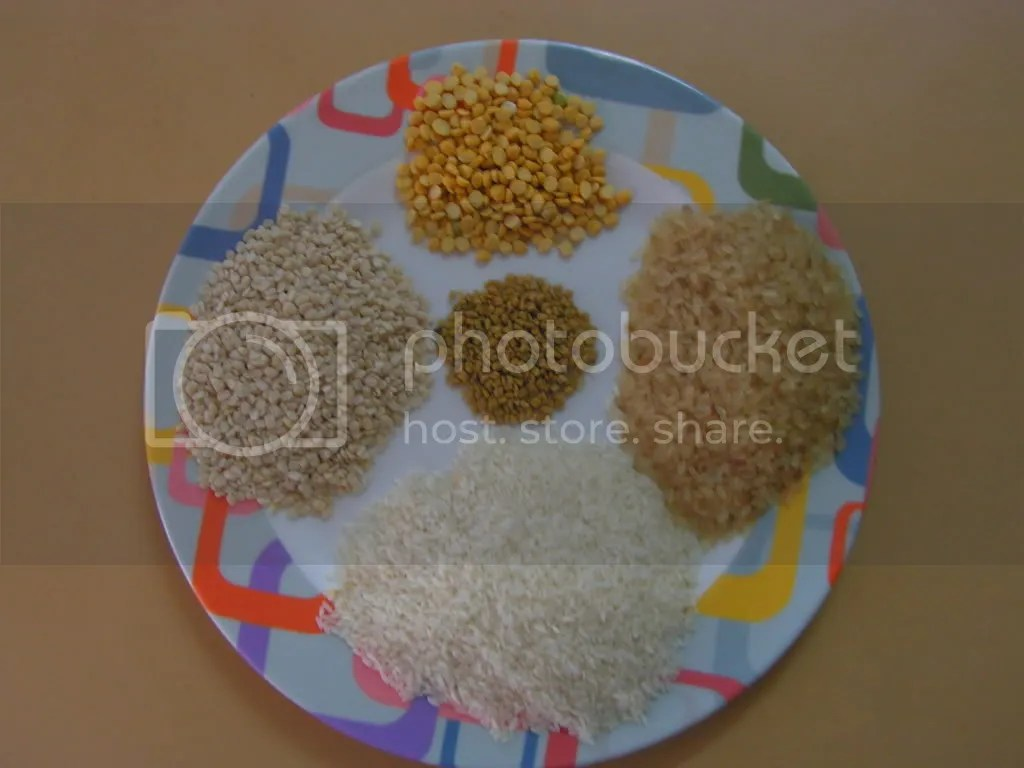 Ingredients of Onion Dosa