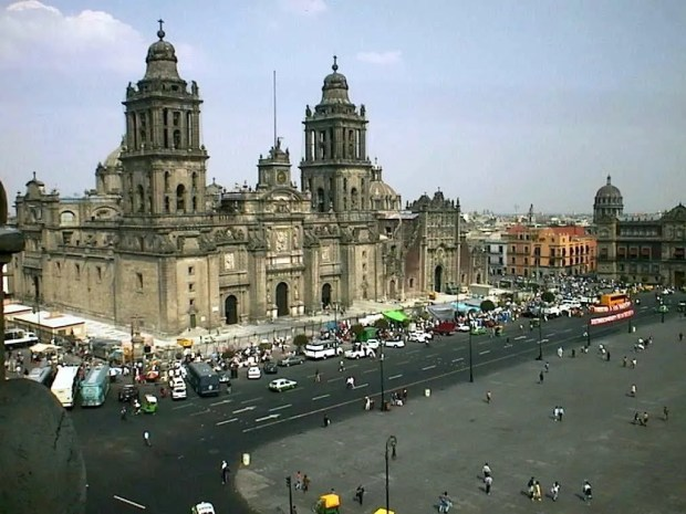 photo Mexico City cathedral.jpg