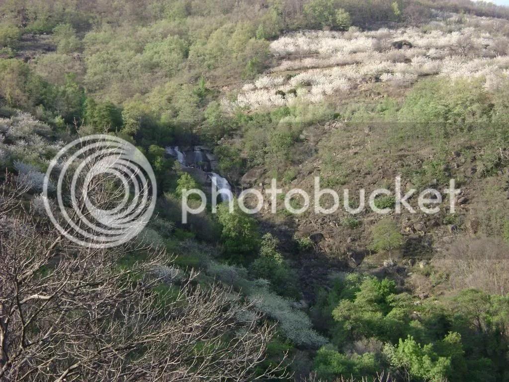 Tercera cascada de la garganta, vista desde el inicio del sendero