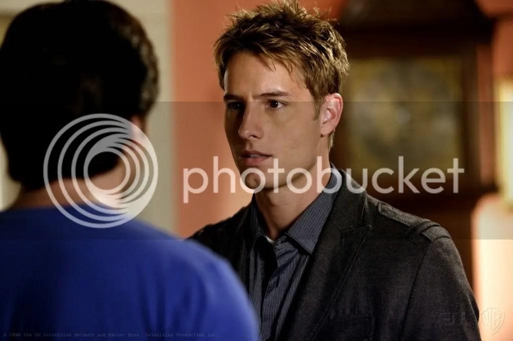 Oliver desconfia que Lex está vivo
