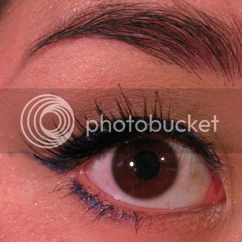 montreal canadiens makeup,blue eye liner,red lip,warmvanillasugar0823