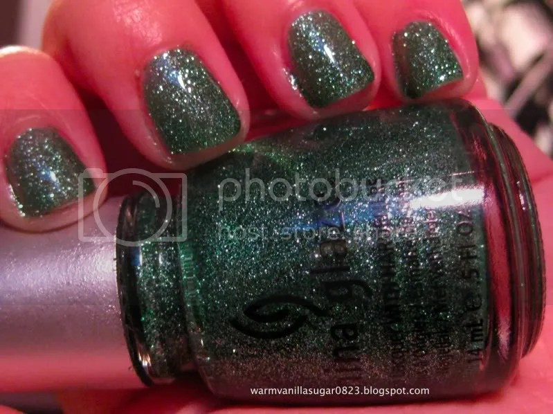 china glaze mistletoe kisses,china glaze holiday 2010,warmvanillasugar0823