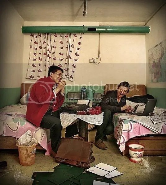 chinese-hotel-room-stories-making-f.jpg picture by Viviobluerex