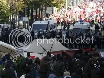 Berna - antifes i manifestants de l'Unió del Poble Su�s