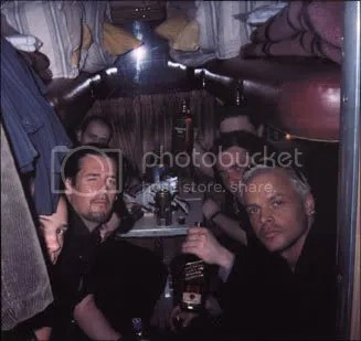 Von Thronstahl, dins un submari