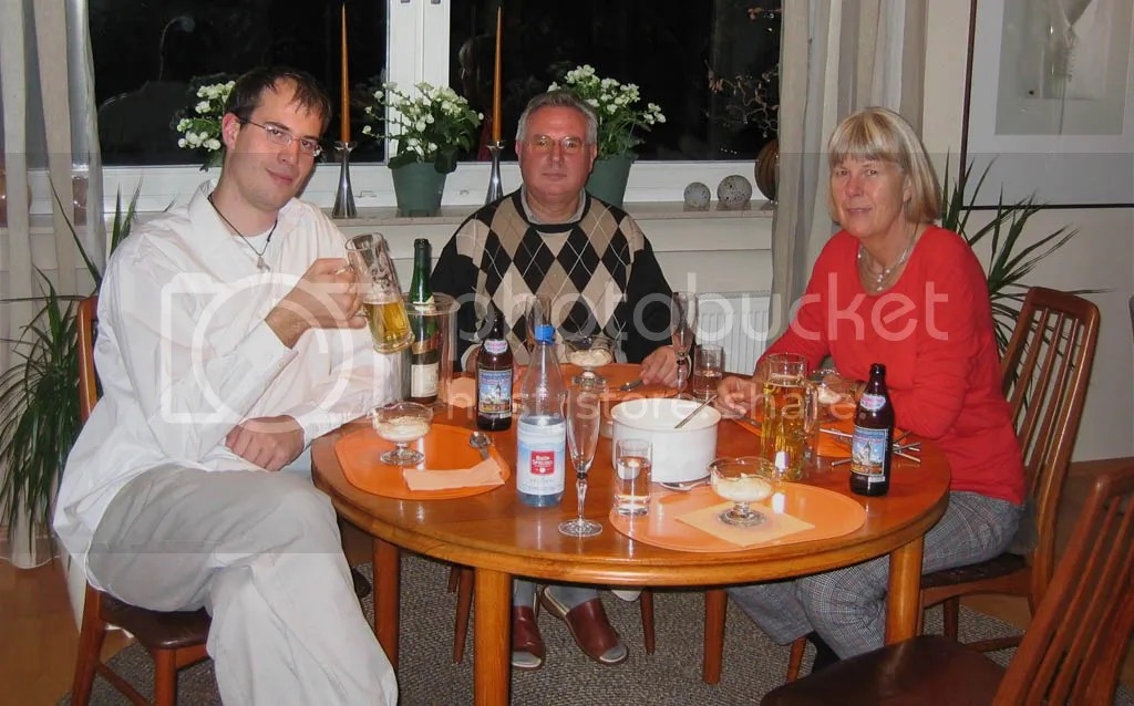Mats and his family..drinking beer and eating ice cream?
