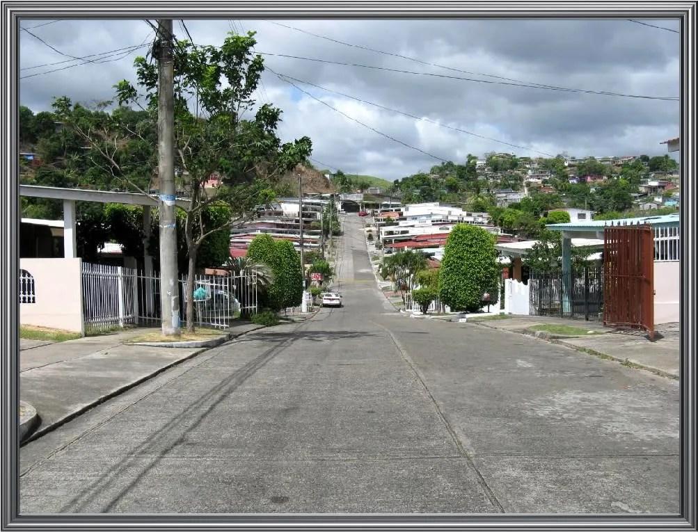 Another view of Calle Las Acacias at El Bosque in Tumba Muerto