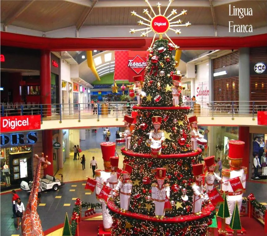 Christmas Decorations In Shopping Malls: Christmas Decorations At Albrook Mall