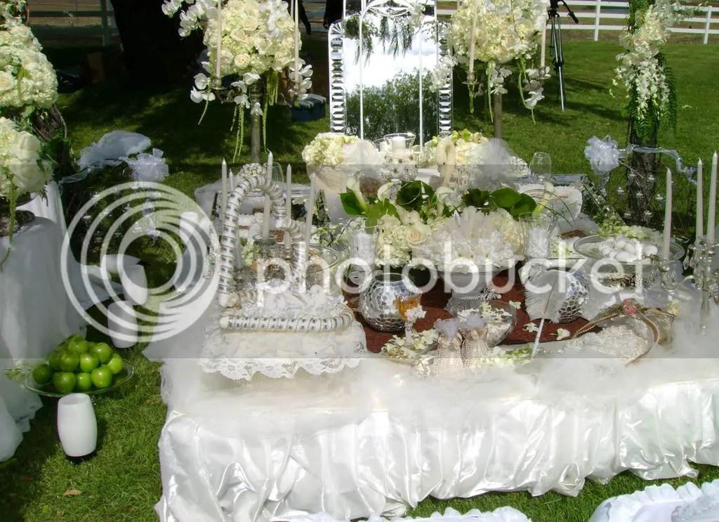 Sneak peek 52408 love and splendor the blog for Persian wedding ceremony table