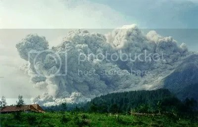 https://i0.wp.com/i232.photobucket.com/albums/ee186/zhongliang_19/indo_skyscrapers/Merapi_Eruption.jpg