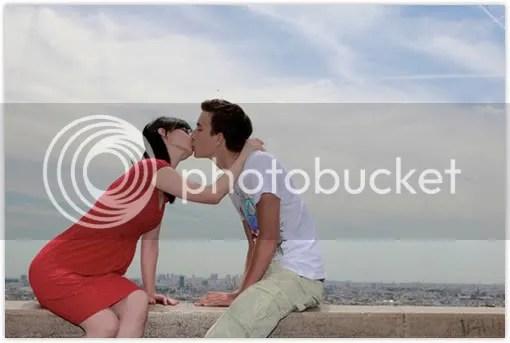 ciumanbibirgratisbloggerunik Blogger perempuan cium mesra 100 lelaki