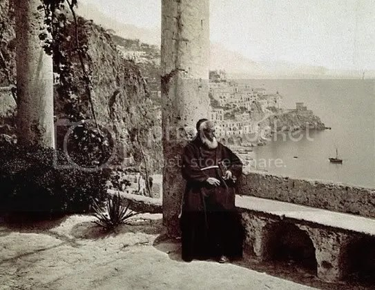 CapuchinMonkinAmalfi.jpg picture by kjk76_94