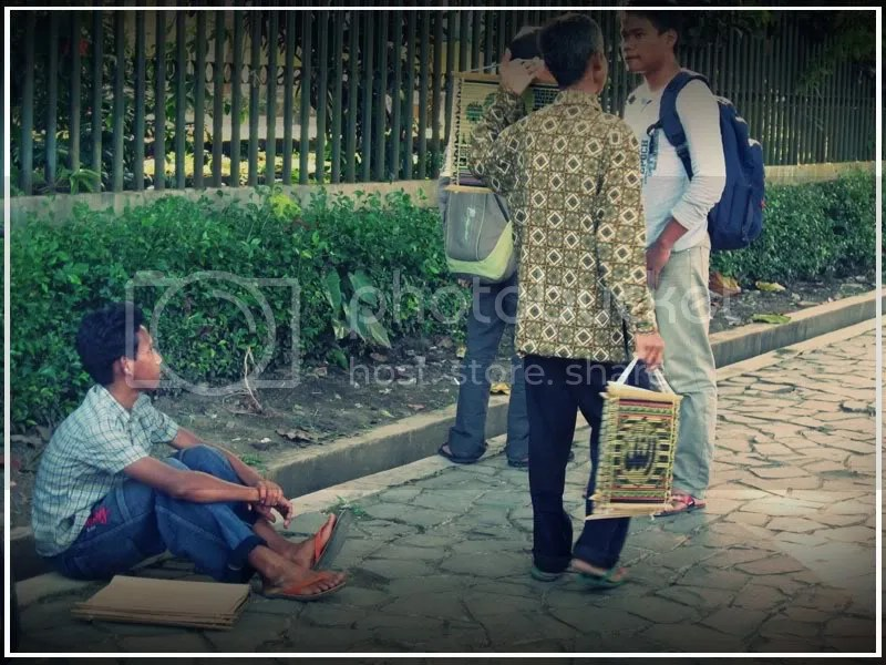 bocah penjual kaligrafi 3