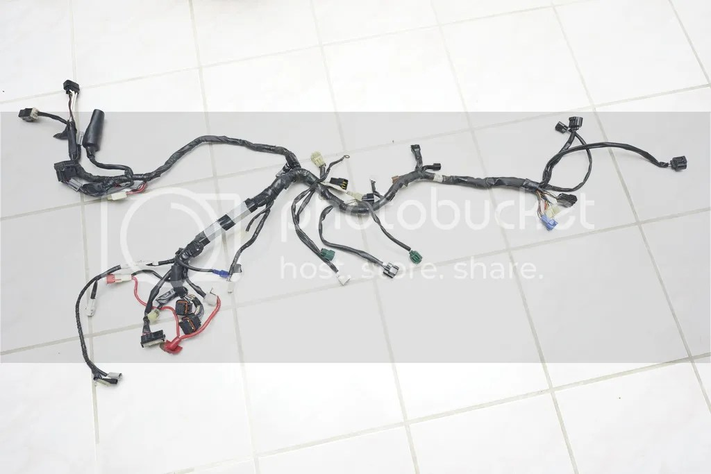 FS: 06+ OEM Yamaha R6 Parts