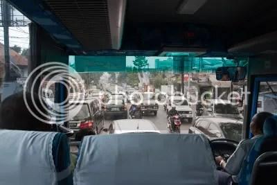 Verkeer in Java vanuit de bus