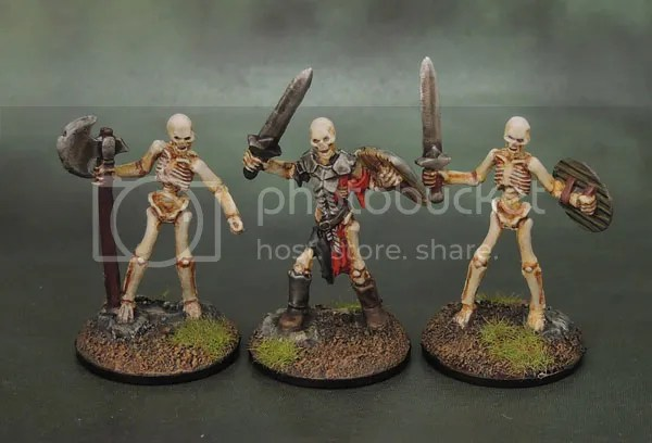 Reaper Bones 77240 Skeleton Guardian Sword, 77242 Skeleton Warrior Sword, 77243 Skeleton Warrior Axeman