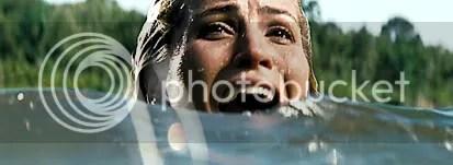 Chelsea numa cena que lembra Tubarão - CLIQUE PARA AMPLIAR ESTA FOTO EM ÓTIMA RESOLUÇÃO
