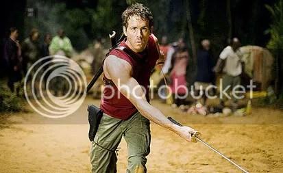 Ryan Reynolds é Wade Wilson, o matador conhecido como Deadpool. Crédito da foto: James Fisher. CLIQUE AQUI PARA AMPLIAR ESTA FOTO EM BOA RESOLUÇÃO
