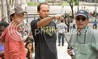 Louis Leterrier, diretor do filme, orienta Edward Norton durante as tomadas na Lapa - CLIQUE PARA AMPLIAR ESTA FOTO