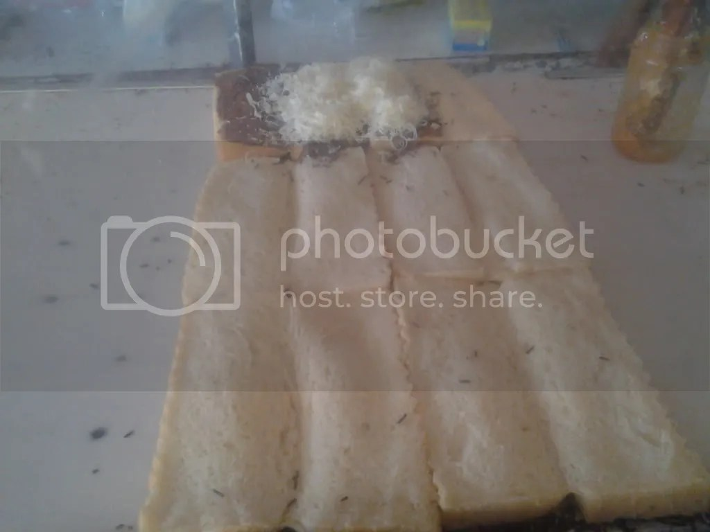 Roti Bakar Campur Keju saya on process