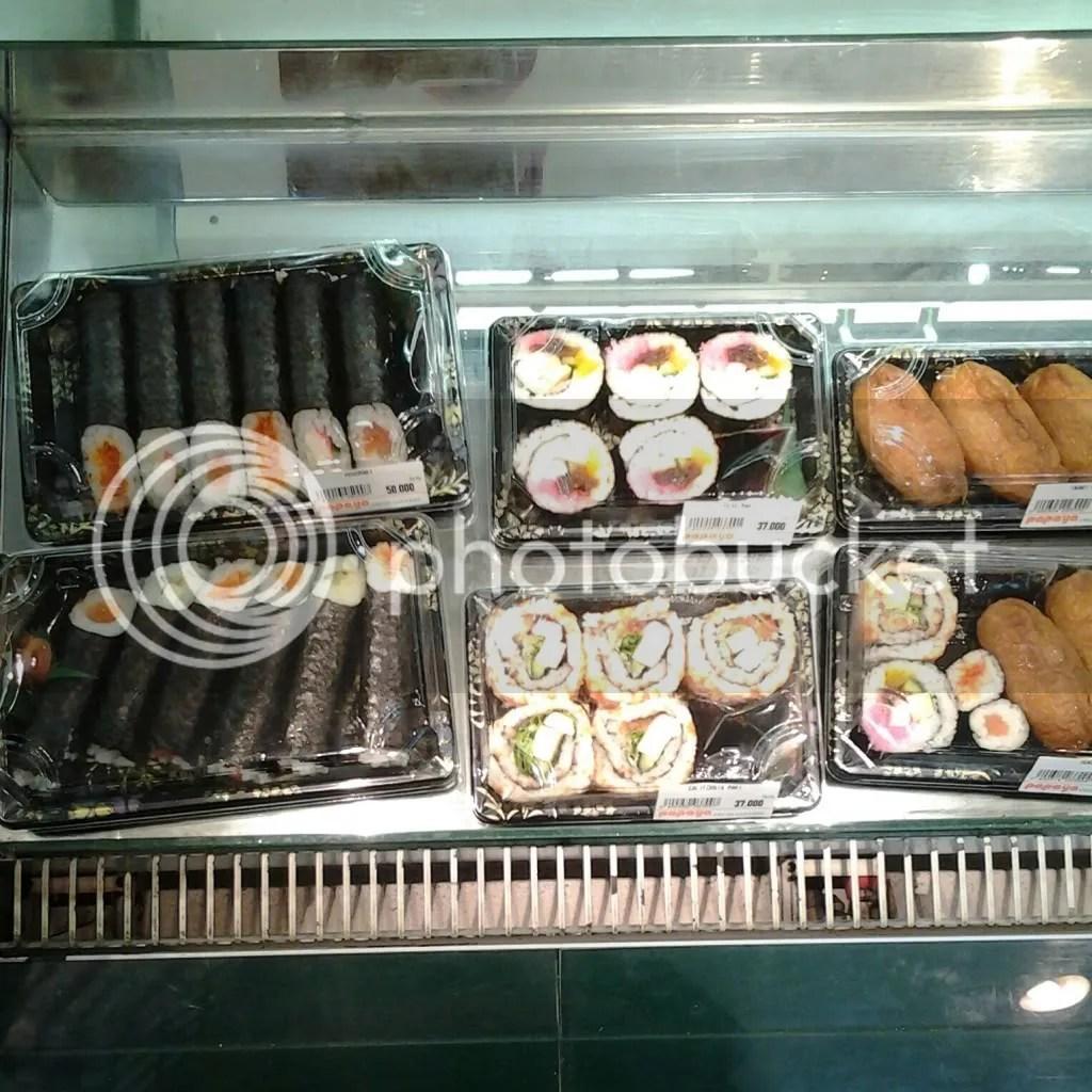 Aneka Sushi di Papaya