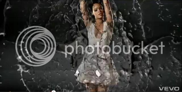 photo RihannaHornsUmbrella.jpg