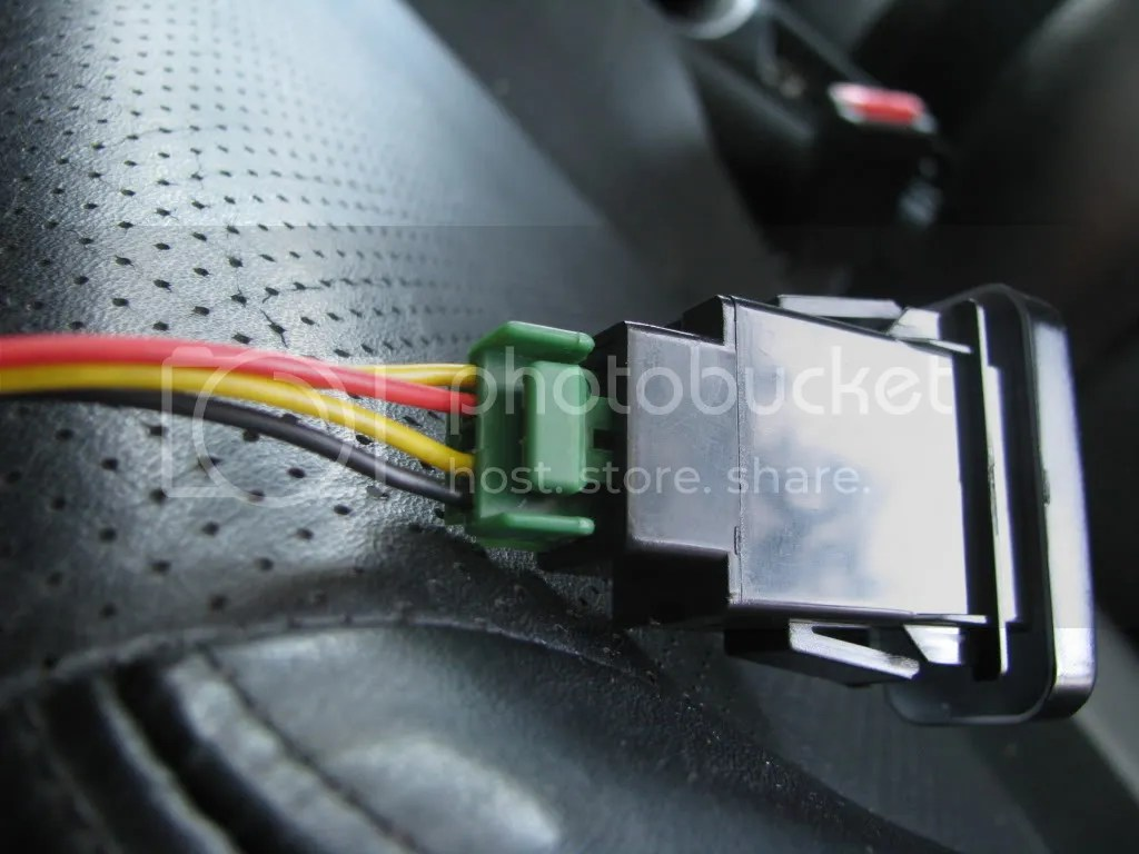 hight resolution of brown plug connected to brown female connection under dash