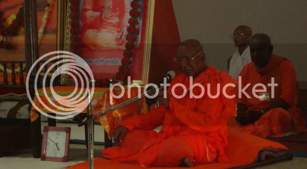 SwamiAchyutanandBabaMeditationCamp1BG.png