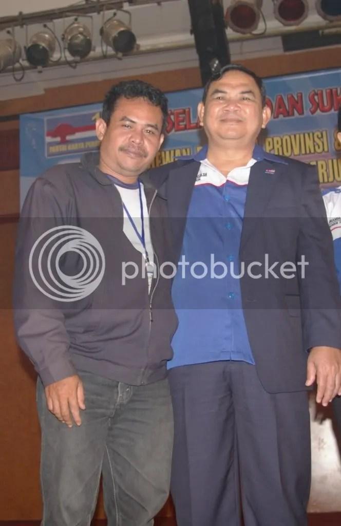 Photo bareng dengan Ketum DPN Partai Karya Perjuangan (PAKAR PANGAN) Letjend. TNI (Purn) HM. Yasin, Wisma Benteng 25/11/2008
