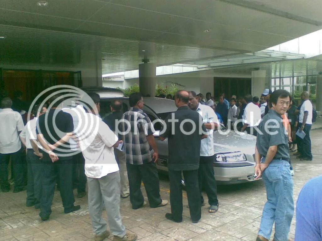 JBJmandai02.jpg JBJ's funeral at Mandai Crematorium picture by wayangparty
