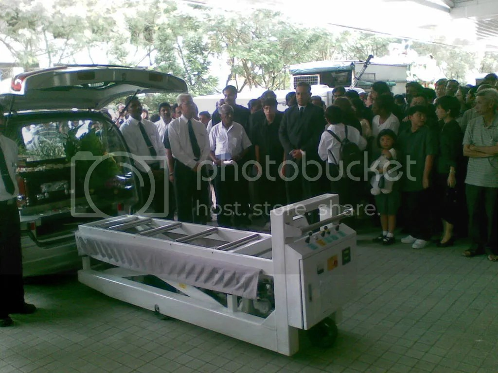 JBJmandai04.jpg JBJ's funeral service at Mandai crematorium picture by wayangparty