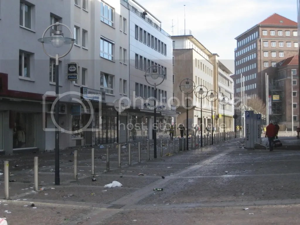 https://i0.wp.com/i264.photobucket.com/albums/ii185/paaskoski/Ruhr%202008/Ruhr031.jpg