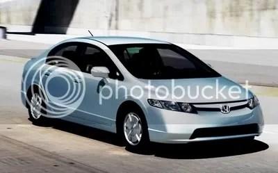 Honda Civic hibrida, menyusul kesuksesan Toyota Prius.