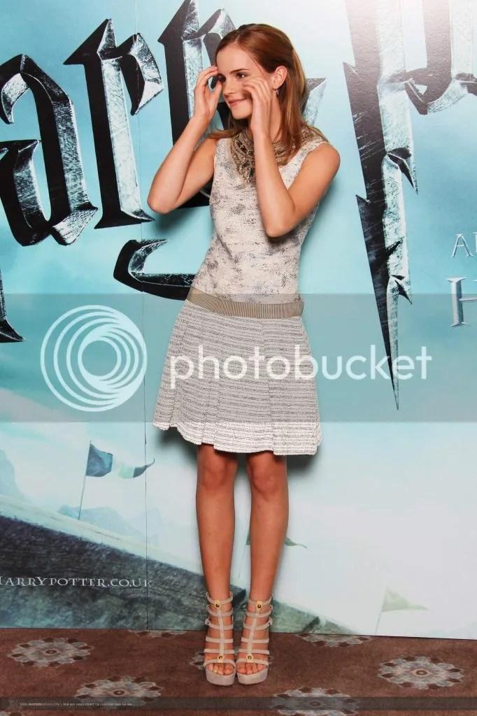 photo 07592_Emma_Watson__photocall_London1246895249_122_371lo_zps8348fd4c.jpg